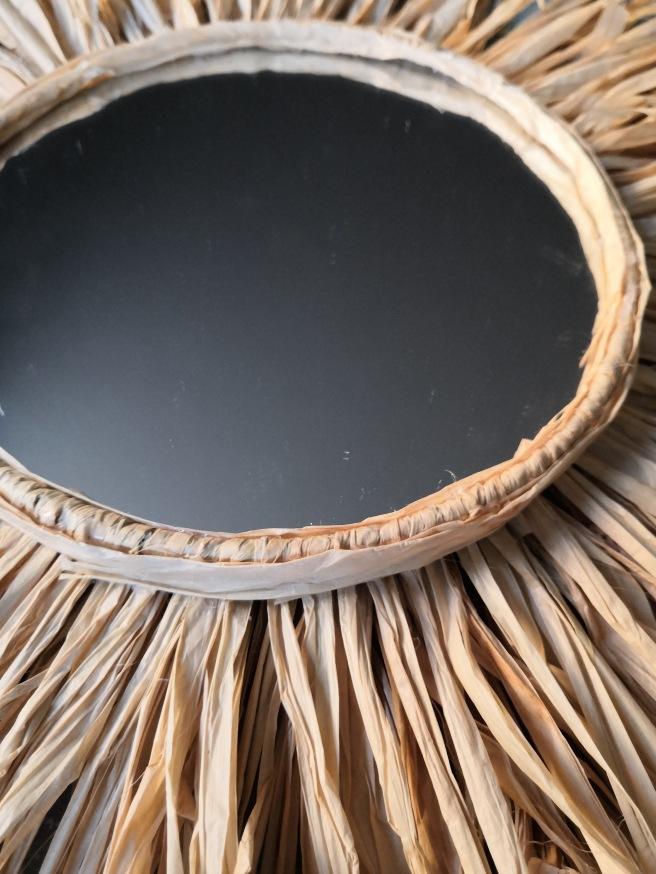 Enroulez du raphia autour du miroir et cercle VF.jpg