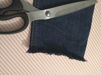 Égaliser les franges du jeans